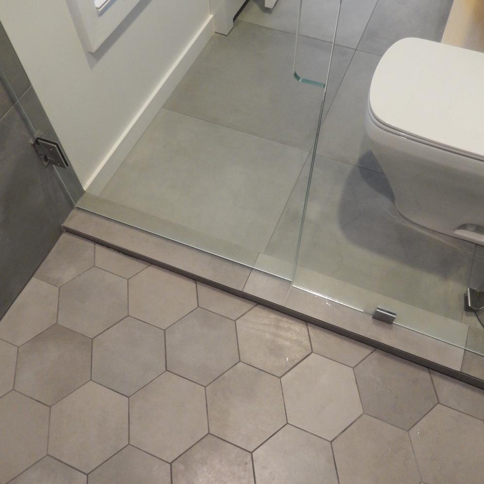 0-master bath01