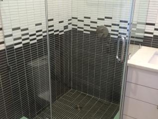 retro modern bath